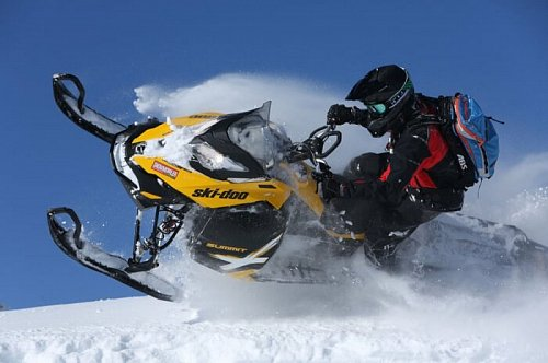 КАРВИНГ И РАСПИЛ СКЛОНОВ на 2013 Ski-Doo Summit X